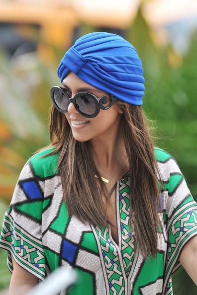 Kourtney+Kardashian+Modern+Sunglasses+Round+P76RkubDCQRl