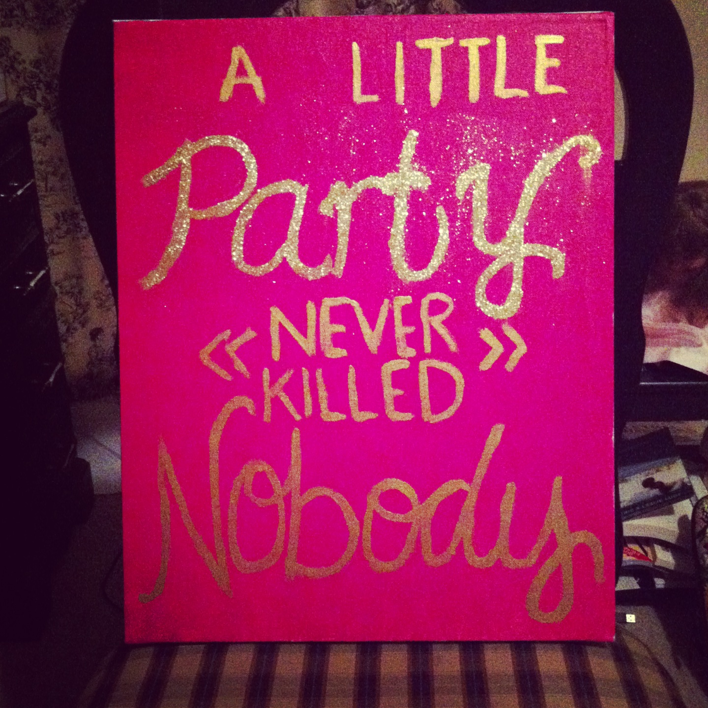 Quotes About Painting: DIY-Glitter Quote Canvas